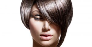 Frau mit kurzem Haar ©Friseur Lutz